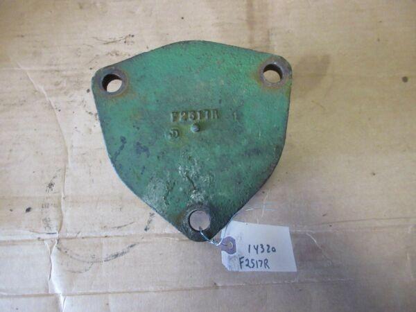 John Deere 720 730 differential housing bearing quill F2517R